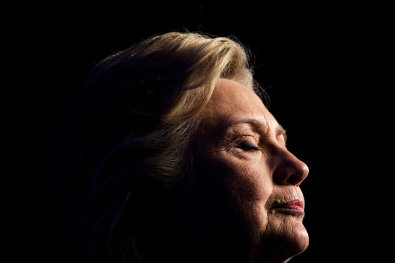 La oscura sombra de Hillary Clinton